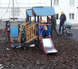 spielende Kinder im Sechterpark